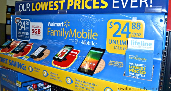 santababy-walmart-family-mobile-samsung-galaxy-exhibit-holidays-are-calling3