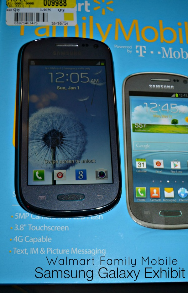 santababy-walmart-family-mobile-samsung-galaxy-exhibit-holidays-are-calling4