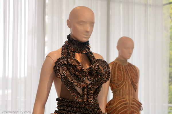Iris-Van-Herpen-Atlanta-Exhibit-Transforming-Fashion-Blog-Kiwi-The-Beauty-2